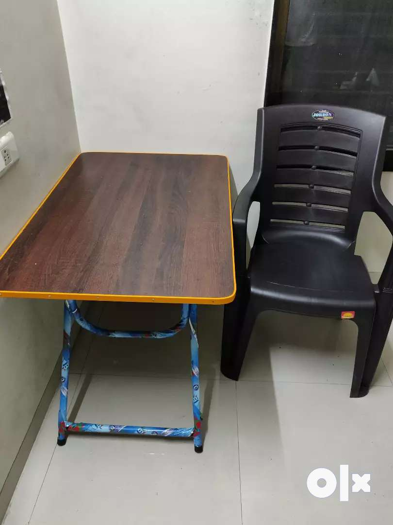 Table, Chair,Bed, pillow 0