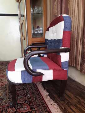3 seater sofa and 4 single seater sofa for sale in takht bhai.
