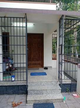 House  on rent in kuttoor, Tiruvalla.( kuttoor -Thengali road)