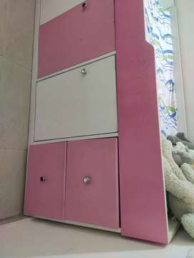 Beautiful kids room bed bunker with stairs -used condition