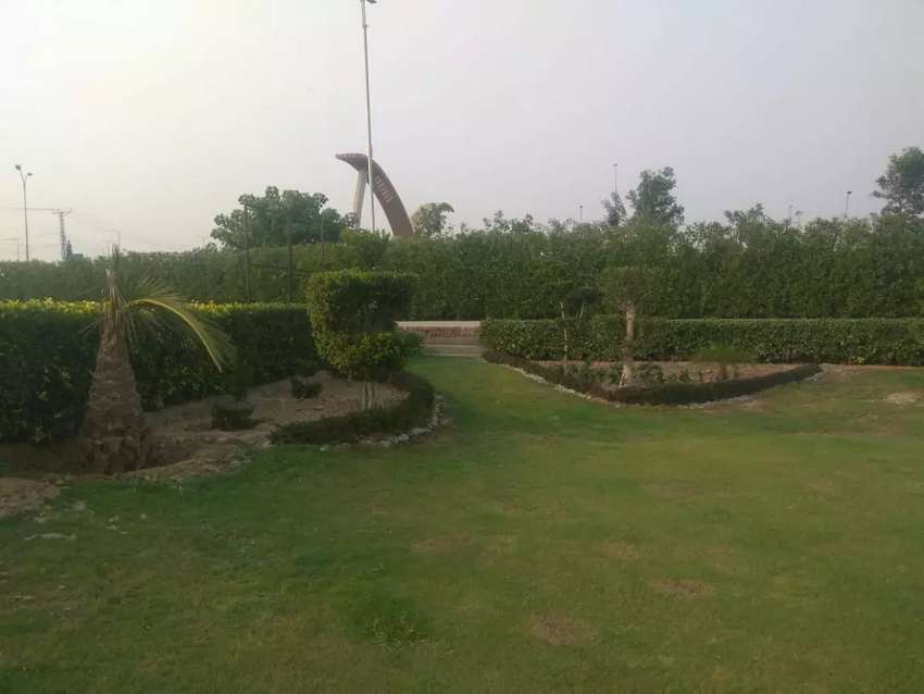 Farm House For Ren At Main Raiwind Road Near Ring Road Interchange 0