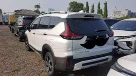 Xpander cross AT 2021 putih