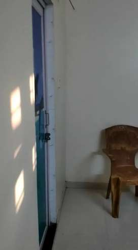 1 Room with Kitchen and Bathroom - 50mts from Damana Square