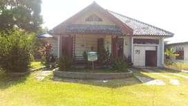 Rumah bagus dan asri dengan halaman luas di jln Meranti Palangkaraya