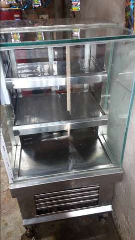 Used display cooling counter 2ft