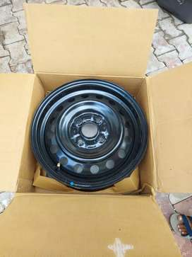 165/70 R14 Brand new Wheel rim and cover of new wagon r