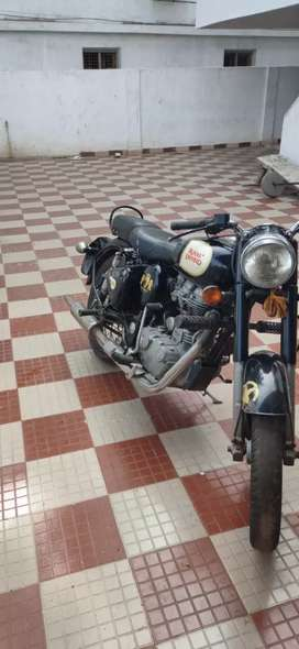 Royal Enfield classic 350  gud condection