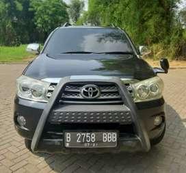 Toyota Fortuner G Diesel 2.5 AT tahun 2011 Kondisi siap pakai dp 10jt