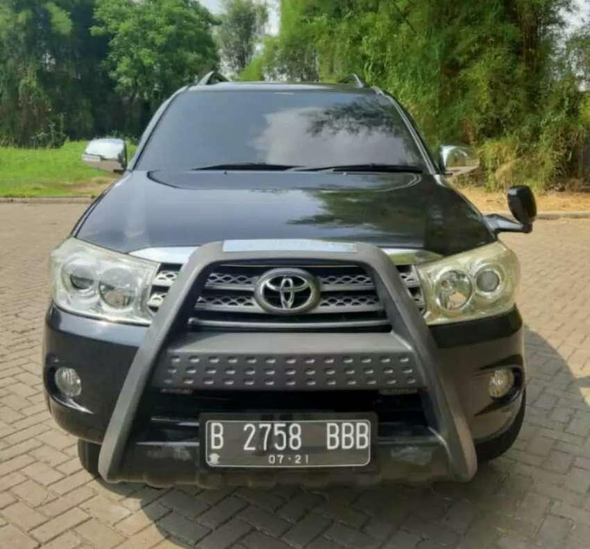Toyota Fortuner G Diesel 2.5 AT tahun 2011 Kondisi siap pakai dp 10jt 0