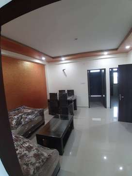 2 BHK SEMIFURNISHED FLAT NEAR 200 FEET ROAT MAHAL ROAD.