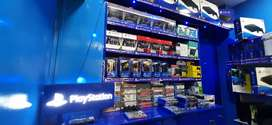 Ps4 games, consoles and controllers