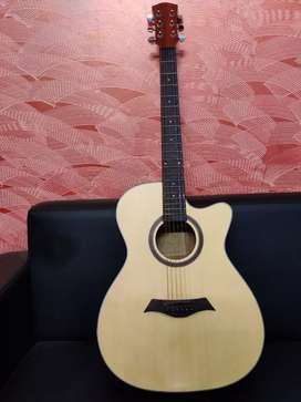 Brand new  accoustic guitar at rs.5500