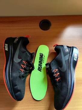 Nike Structure RUN shoes