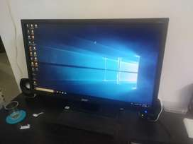 Urgent sell- acer monitor (21.5 inch full hd display)