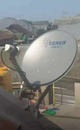 Bangkalan parabola antena tv modern gambar jernih