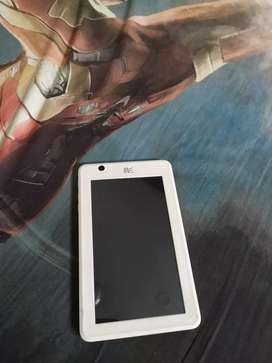 HCL Me U1 Tablet with charger