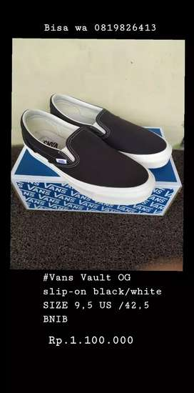 Dijual Vans Vault OG slip-on black/white SIZE 9,5 US /42, 5 BNIB