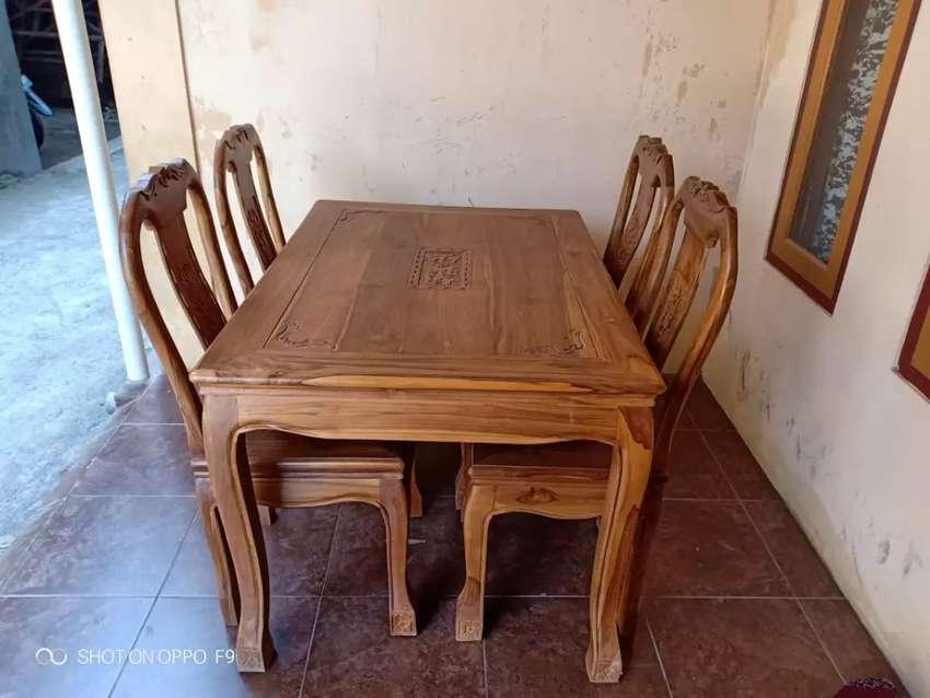 Meja makan kayu jati 0