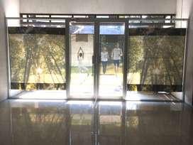 Pintu kaca aluminium bekas murah