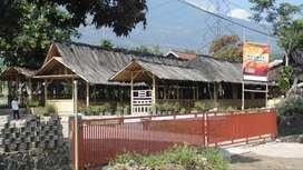 dijua urgent rumah tanah villa jalan raya garut 2000 m2 1,3 m