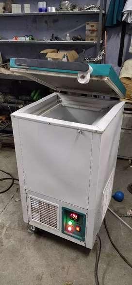 Deep freezer -80 deg C