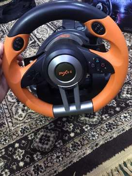 I m selling my pxn stearing wheel