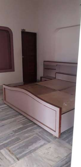 Prime Loctaion 2 KM from shastri nagar (2 bhk fully furnisehd) portion