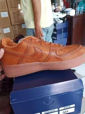 Sepatu sehari hari
