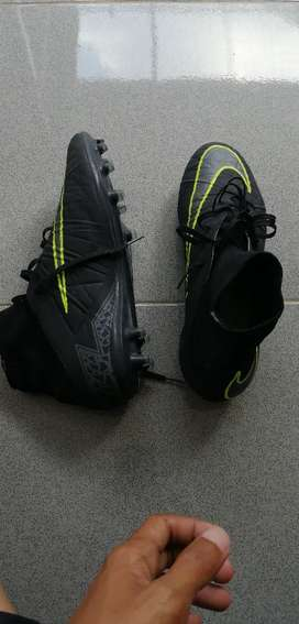 Dijual cepat sepatu bola nike