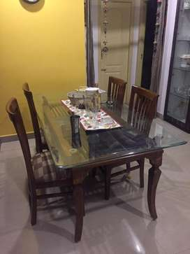 Dining table 4 chair new for sale