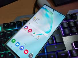 Samsung Note 10 plus 4 months old with Galaxy buds wireless free