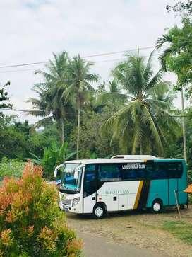Menyewekan bus pariwisata