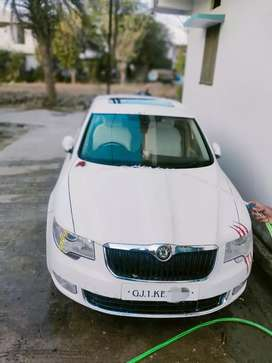Arjent sell because buying other car,faltu offer na de.only call me