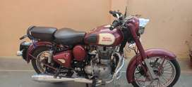 Royal Enfield Classic 350 Maroon