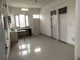 Semi furnished flats 2bhk on Rent