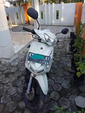 Yamaha mio putih