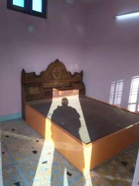 Room available for rent (only for girls)