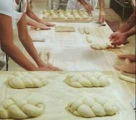Dicari Baker Roti Berpengalaman Minimal 10 tahun Bakery Surabaya