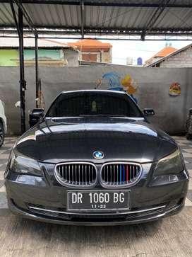 New BMW 530i pmk 2009, masih orisinil dan keren cuma 135 jt