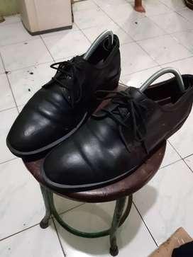 Sepatu Formal Pantofel Kulit like docmart