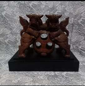 Patung kayu barong