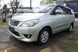 Toyota kijang innova G diesel M/T tahun 2013
