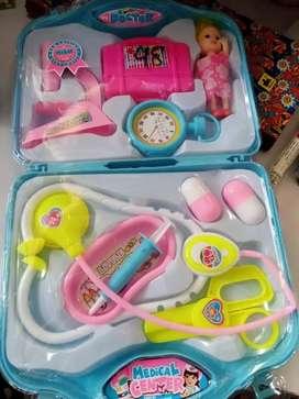 Mainan anak dokter2an