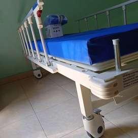 Bed RS 2 crank, free kasur anti dicubitus