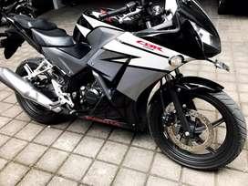 Honda CBR 150 R —- ISTIMEWA