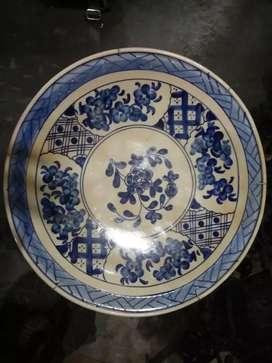 Piring besar keramik antik bunga biru putih
