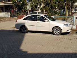 Top model Chevrolet optra-Pearl white color