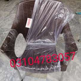 Plastic chairs tables available in best Qulauty pure full shine