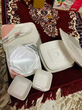 Dinner Set contain 32 pcs. unused seal pack