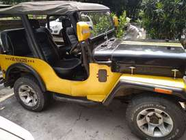 yellow Modified 4x4 jeep